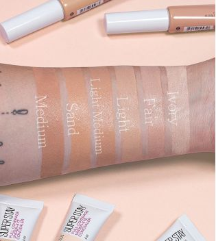 Maybelline - Corrector líquido Super Stay full coverage - 20: Sand